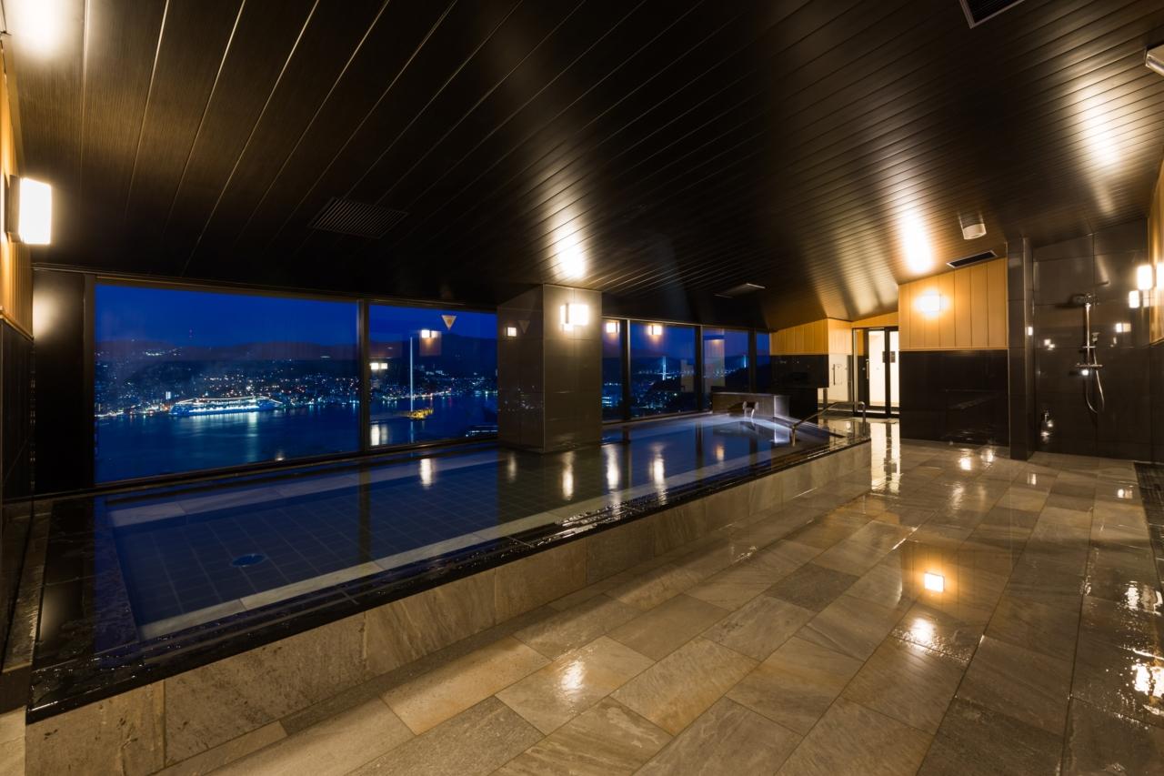 施工例①:長崎市内の宿泊施設の改修工事も行いました。
